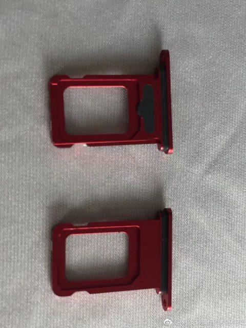 新iPhone XS多彩sim卡槽曝光
