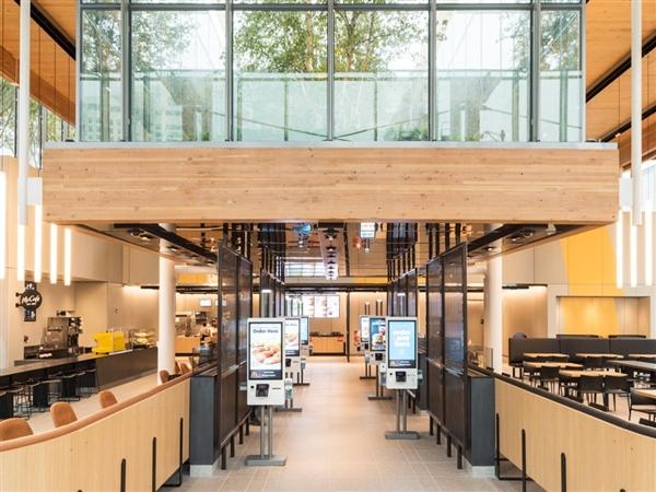 麦当劳中国将率先在北京部分餐厅停供塑料吸管