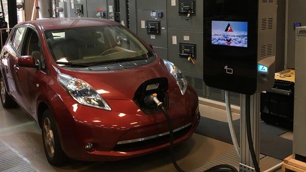 NCSU开发电动汽车中压快充方案:体型小巧 能效更高