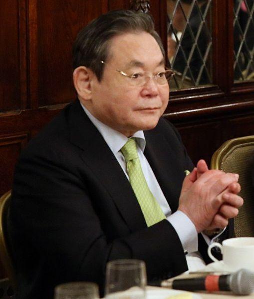 三星家族避税策略曝光:李健熙使用近1500个银行帐号