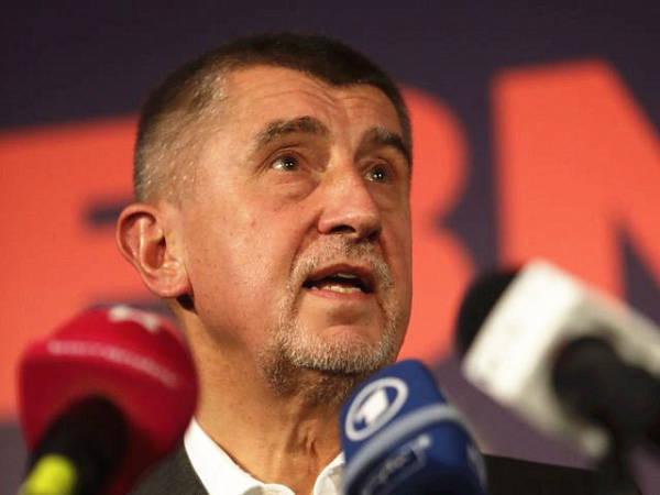 捷克总理下令内阁工作人员禁用华为手机