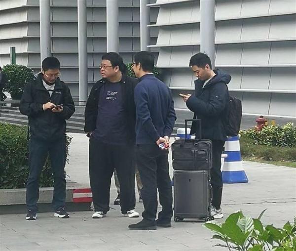 罗永浩现身中国移动又转发和飞信微博