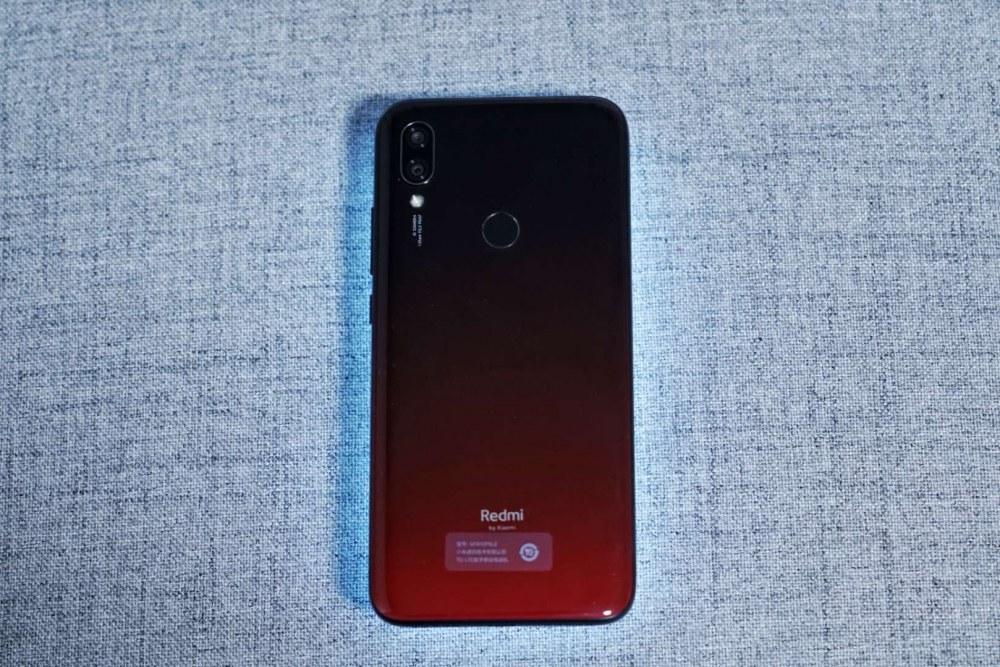 Redmi红米7上手:精致的不像百元机