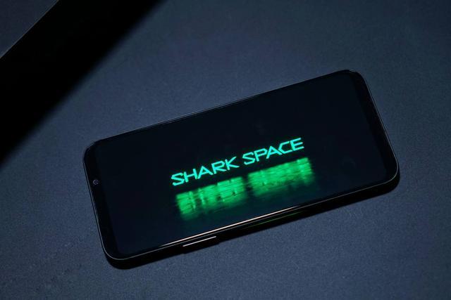 黑鲨游戏手机2:GPU超频 安兔兔跑分突破40万
