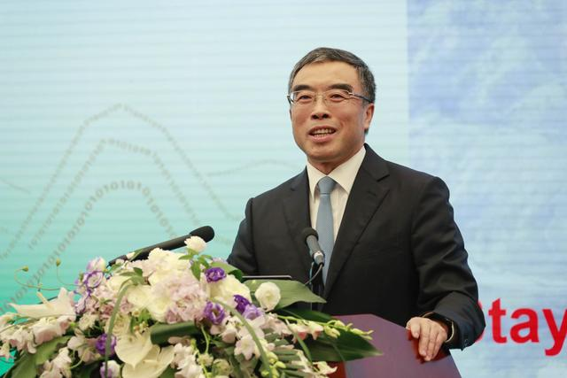 华为2019上半年业绩发布会 董事长梁华接招媒体14大问题