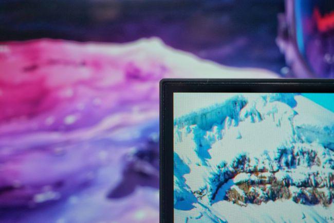 「科技头条开箱」红米百货上新:Redmi 27英寸2K电脑显示屏拆拆拆