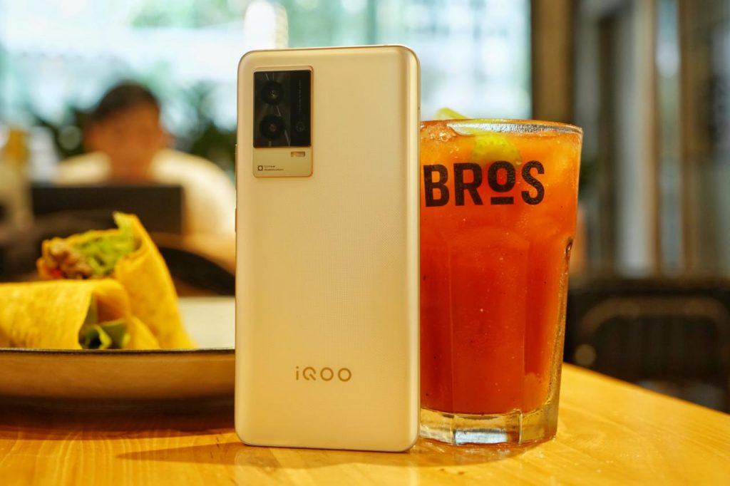 小迭代or大升级?iQOO8标准版是否值得入手